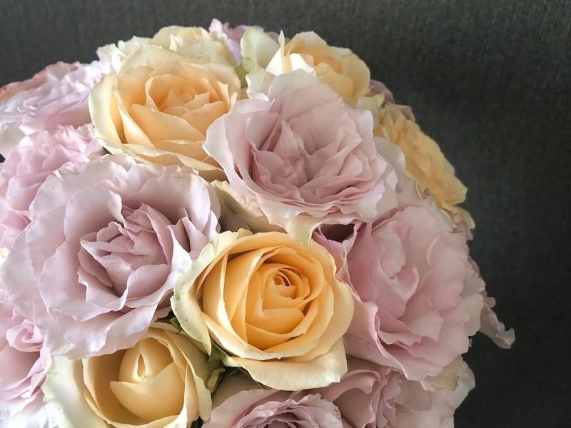 one flower  スパイラルブーケレッスンの画像