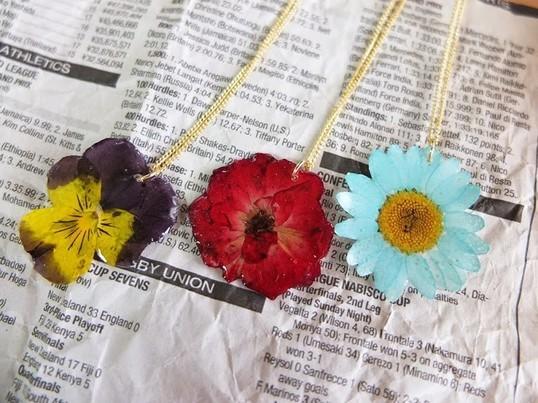 UVレジン入門!本物のお花で作るアクセサリー@二子玉川の画像
