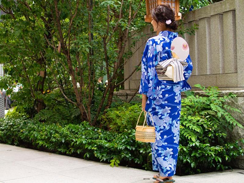 モデル着付も行う着付師の「美しいきもの・オンライン着付講座」浴衣編の画像