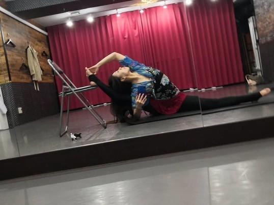 ストレッチポールを使った魅力的な身体になるオンラインレッスンの画像