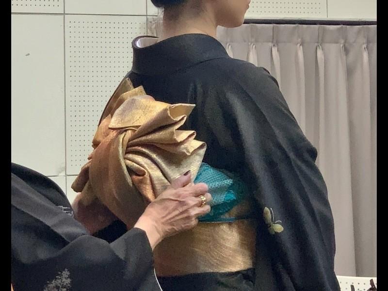 他装は難しい?プロの技をお教えします 女袴着付けのポイントは?の画像