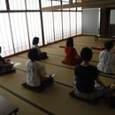 心と体を健康にするまなびの瞑想の講座の風景