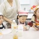子連れ参加OK!看護師が教える米粉のおやつ教室の講座の風景