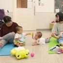 親子フォト&ヨガ教室で、ママの笑顔を応援します♪の講座の風景