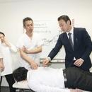素人でも、腰痛・骨盤矯正の専門家を育成する専門家の講座の風景