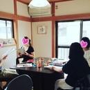 自信が湧き上がる コミュニケーション教室の講座の風景