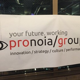 圧倒的なパフォーマンスを出す組織作りの団体ロゴ
